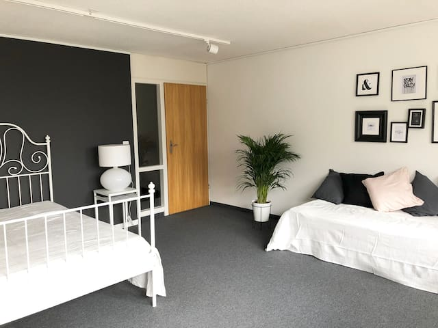 Comfortable Apartment Top Location 16min to Zurich
