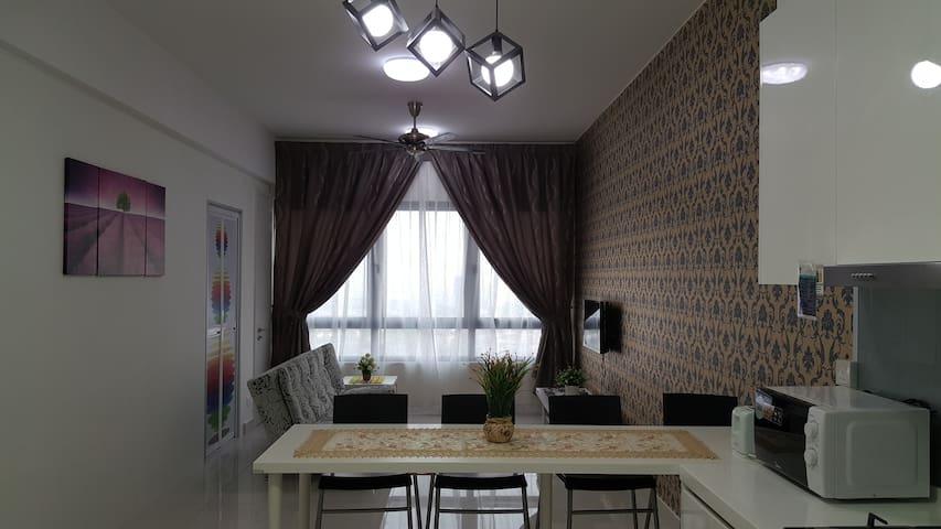 2-Bedrooms Skyview & Fully Furnished @ Subang Jaya
