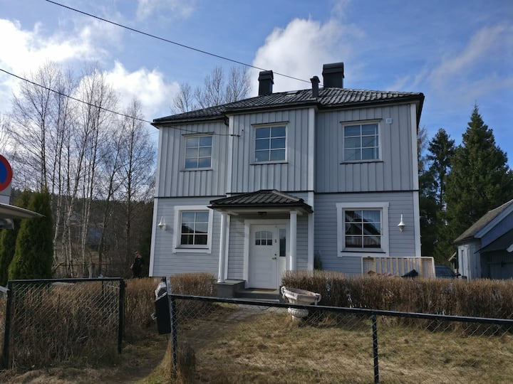 Fully furnsihed and equipped house with 5 bedrooms in the middle of Strømmen.