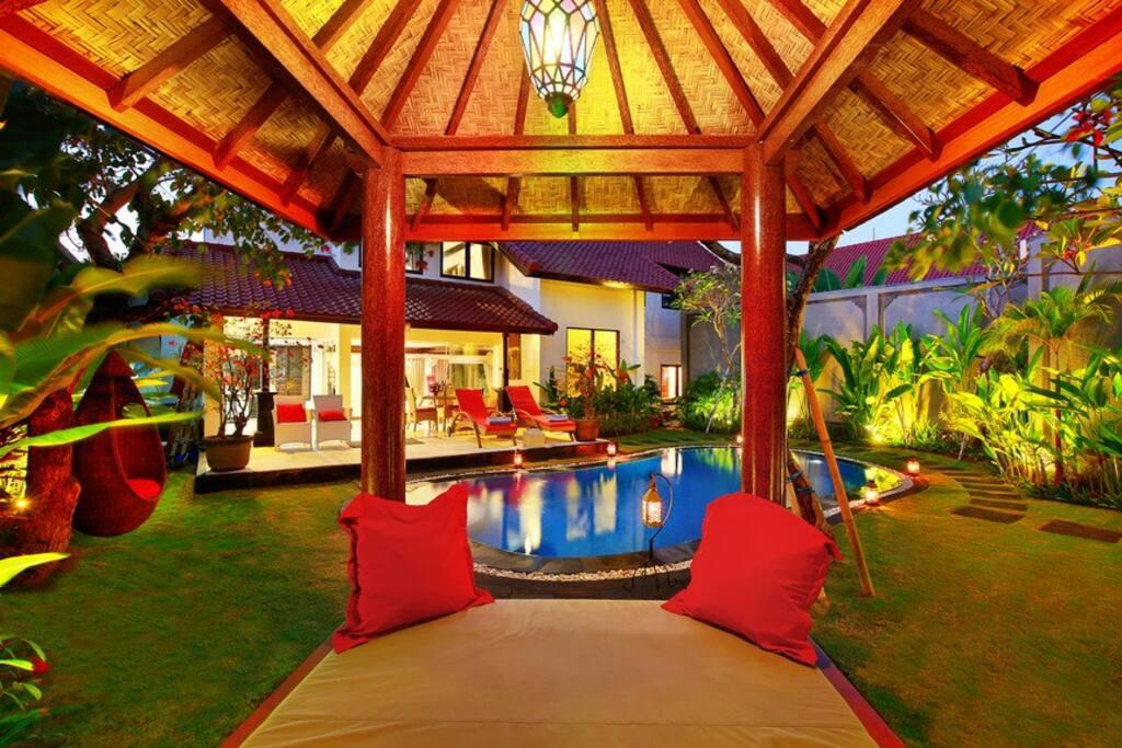 Beautifull Alysha villa swimming pool and garden