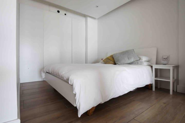 Second Bedroom Queen size Bed