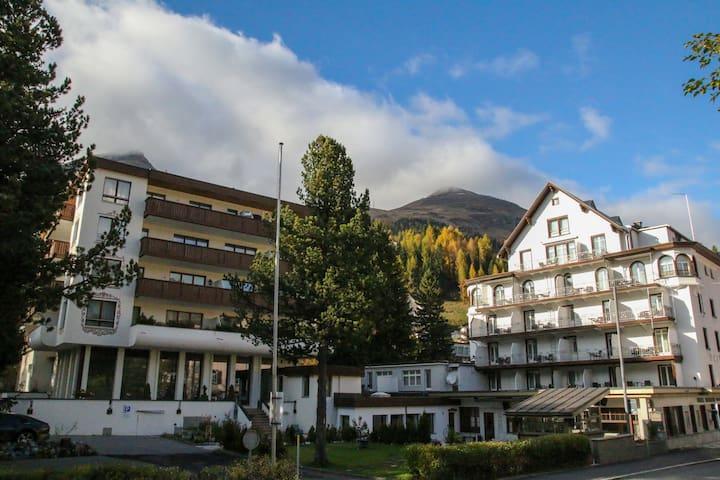 Ruime en Luxe Hotelkamer in Davos! Hubertus 2