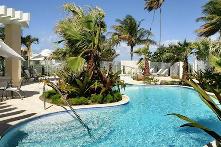 Cozy front beach apartment at Grand Bay Resort, - Rio Grande