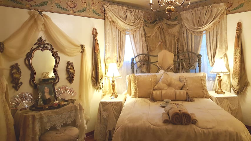 Sweet Victorian Charm