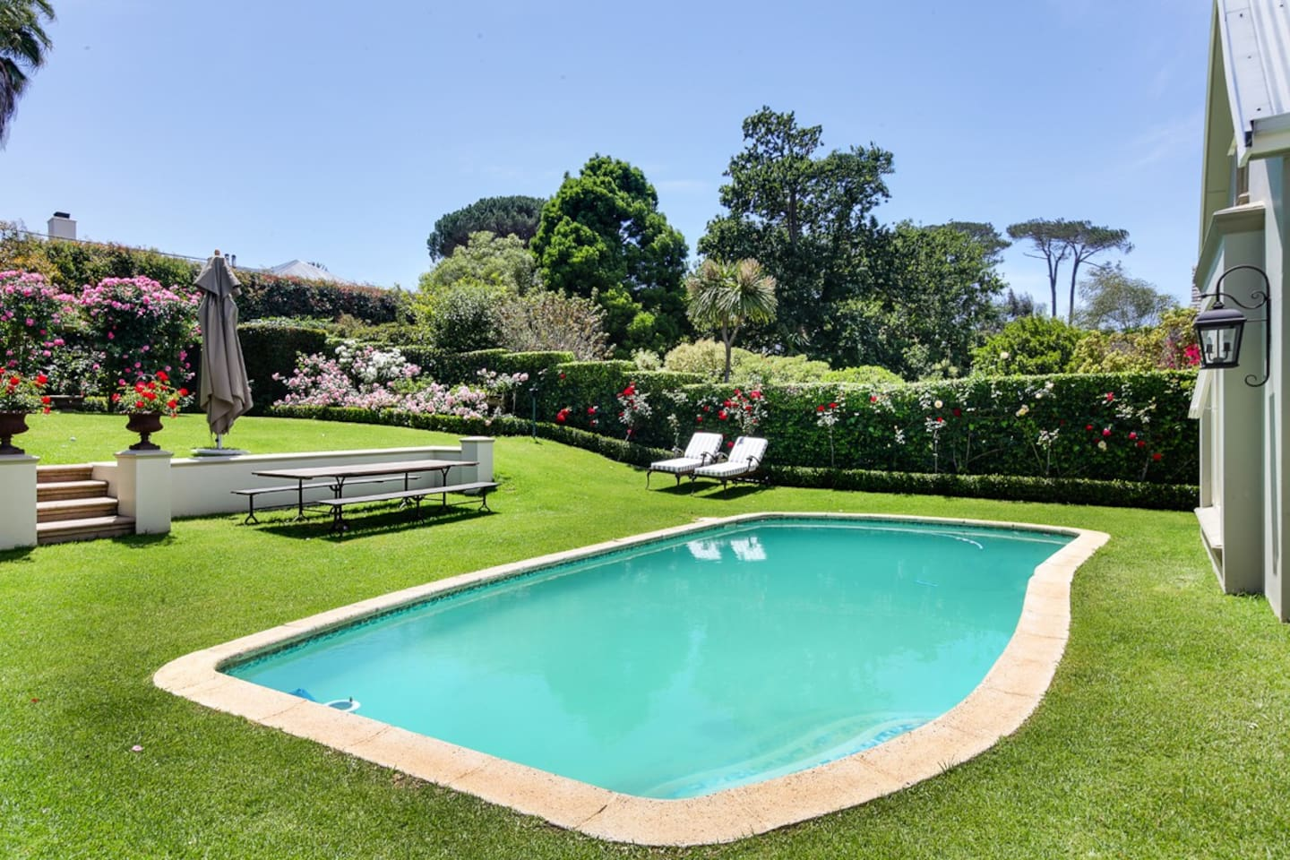 Beautiful garden and swimming pool