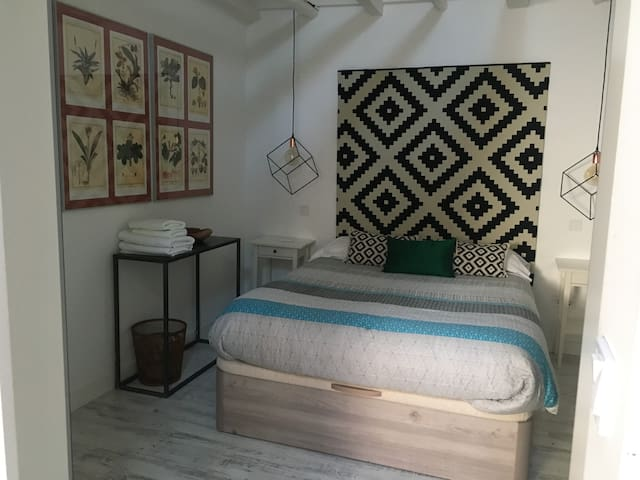 Amazing flat in the heart of  Historic Madrid