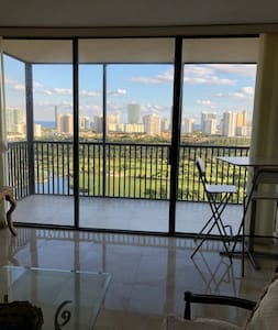 Renovated Apartment in Aventura. Min.2 years rent