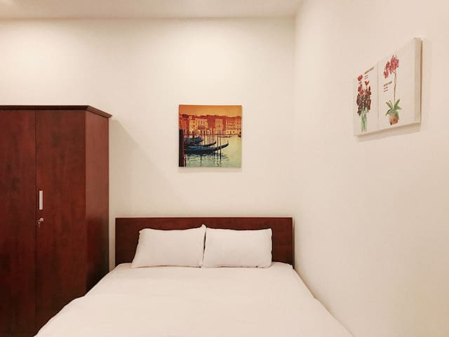 *NEW*SIMPLE*Room 204.Between ariportHCMcity center