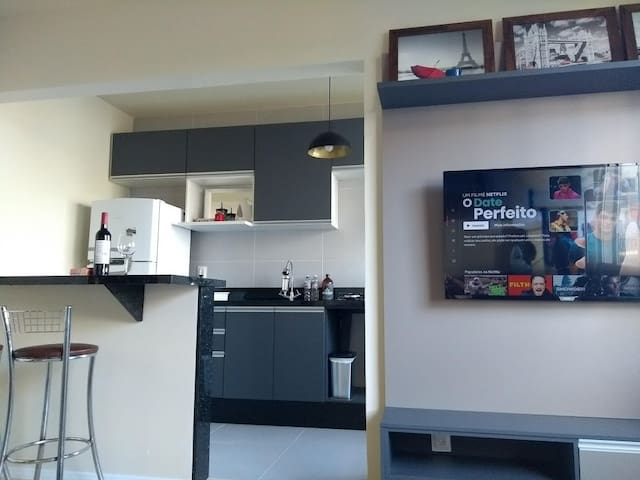 Apartamento na Beira Mar, com piscina e garagem