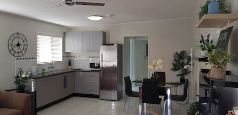 Nenny's close to Beaches, Parking, Pool, WiFi,