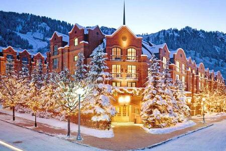 Luxurious St. Regis Aspen Resort Residence - Aspen