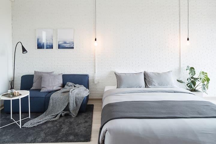 Bedroom 03 with Balcony