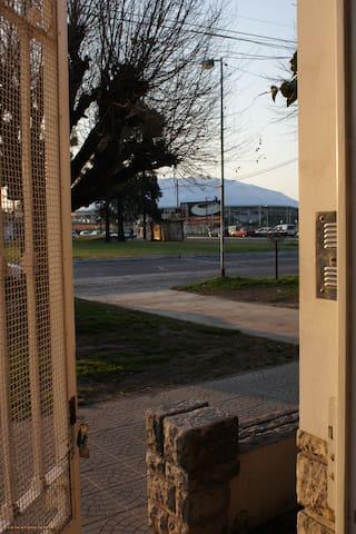Alojamiento temporal cerca del Estadio Unico