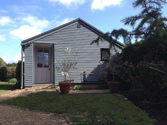 Stylish Garden Studio in North Chichester