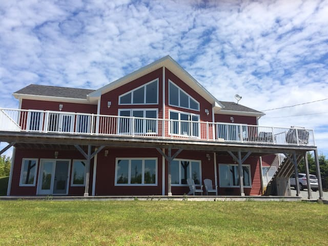 Beautiful & Bright Lawrencetown Beach Home - East Lawrencetown - Casa