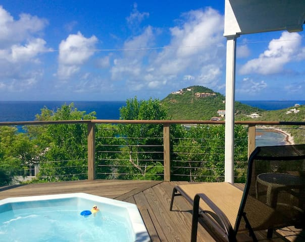 Stardust Cottage-2 Bed, Hot Tub with Great Views!