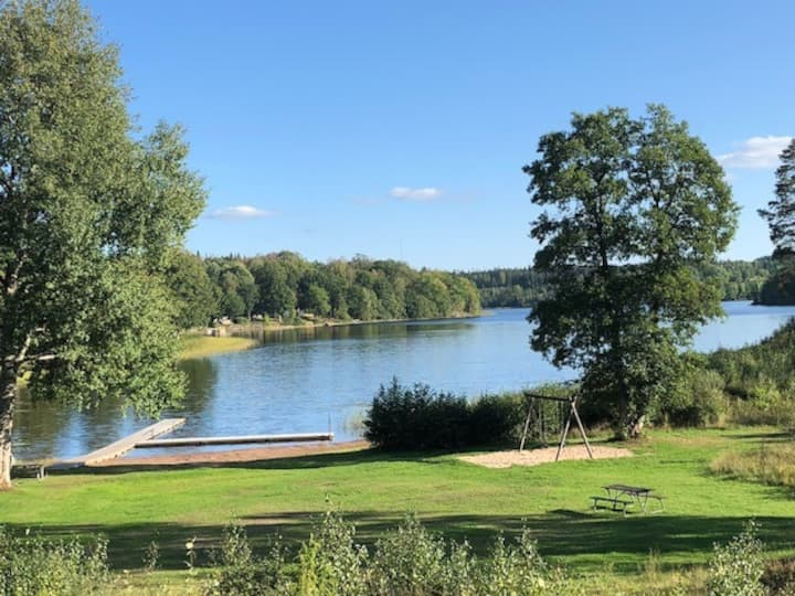 Lakeview 75 meters to beach, sauna, boat and canoe