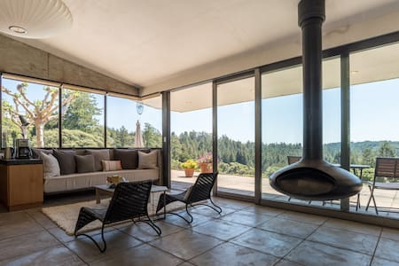 Private Retreat with Spa and Pool  - Occidental - House
