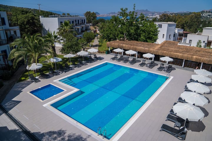 Long stay rent in Bodrum wth pool and strong wi-fi
