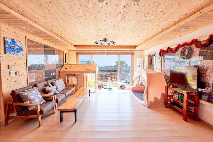 온수스파, 아이들이 신나게 놀수 있는 키즈펜션, 바다전망, 친환경 편백나무 신축 팬트하우스