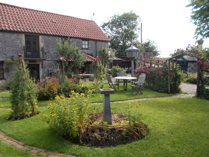 17th Century Magical Cottage Mendip Hills Nr Bath