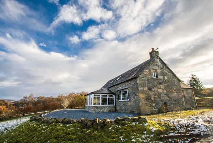 Tomban Cottage, Perthshire