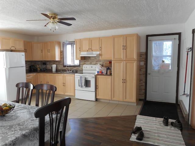 Appartement complètement meublé (4 chambres)