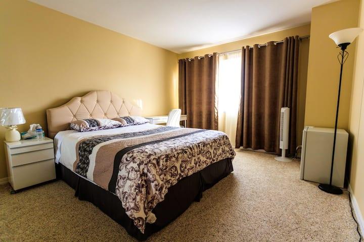 Cozy bedroom with beautiful bay view, SFO 10 min