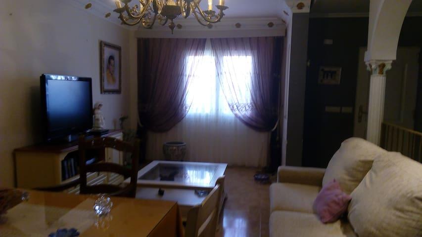 Una casa de una habitacion en Turre