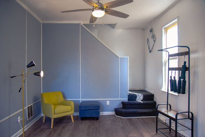New Decorated 3B2B in South Oakland
