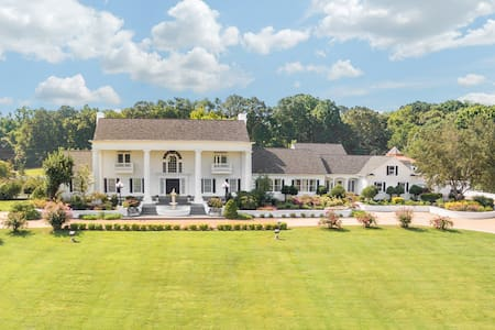 21,000 Sq Ft Luxury Southern Mansion and Estate - Ooltewah