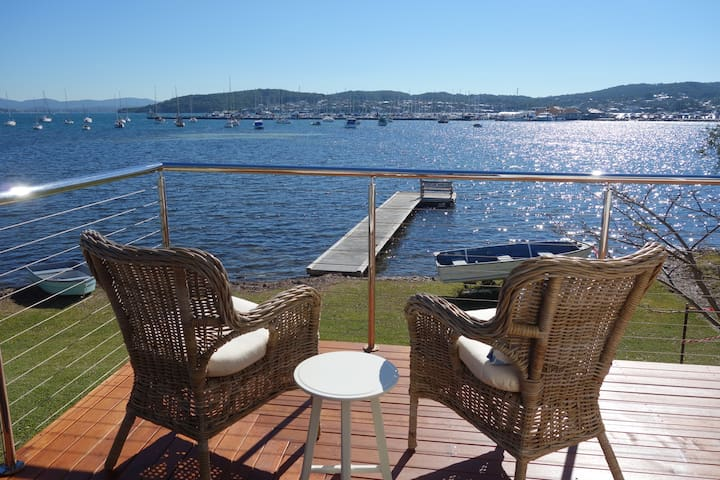 Bellevue Boatshed on Lake Macquarie - Belmont - Bungalow