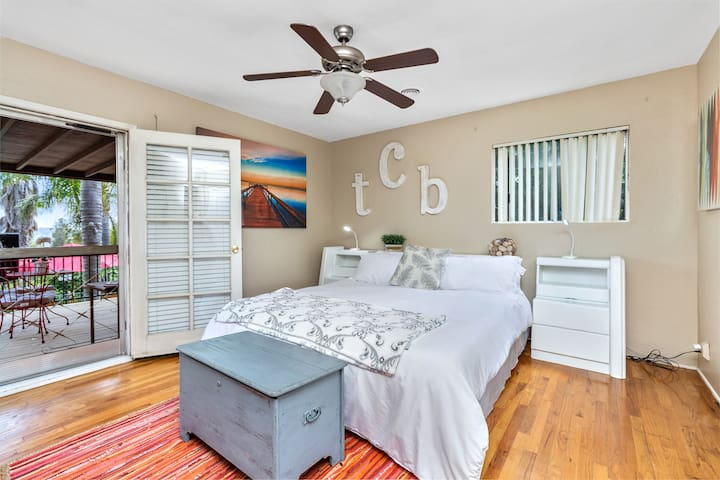 Your private TCB Suite with Direct TV and full en-suite bathroom. You will sleep comfortably on bamboo bedding and premium pillows. ( Not shared pace.)
