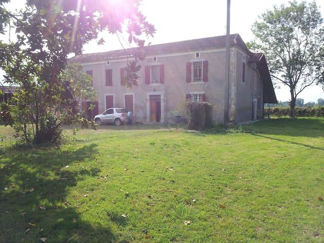 Maison de campagne  prés de  Marciac  à St Justin - Saint-Justin - Ház