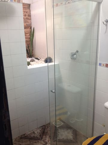 Casa/Kitnet aconchegante/bem locali - Cachoeira - Ev