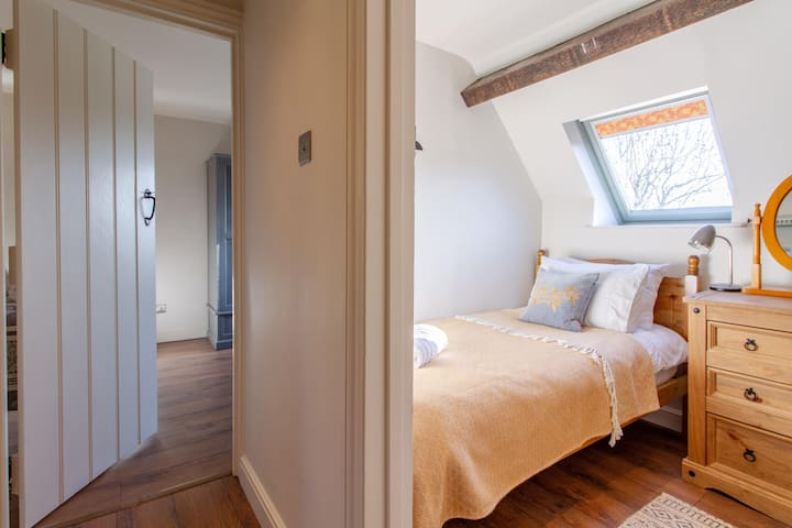 First floor: two bedrooms in close proximity