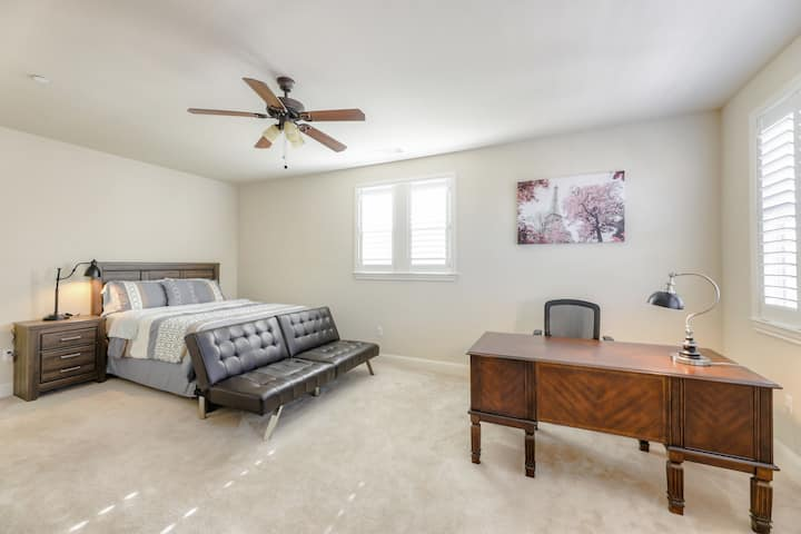 Large Executive  Private Room Queen Bed New house
