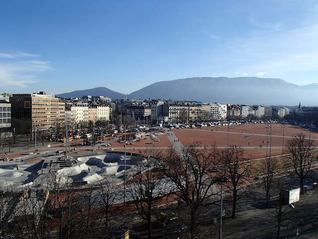Cosy, bright & central ! Great view - Geneve - Huoneisto