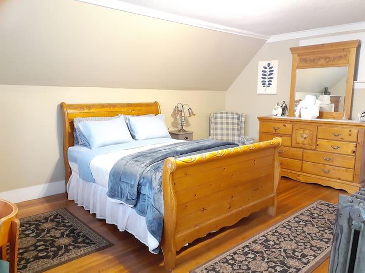 The GRANDE Manor SKY VIEW BLUE Awake Feeling New!