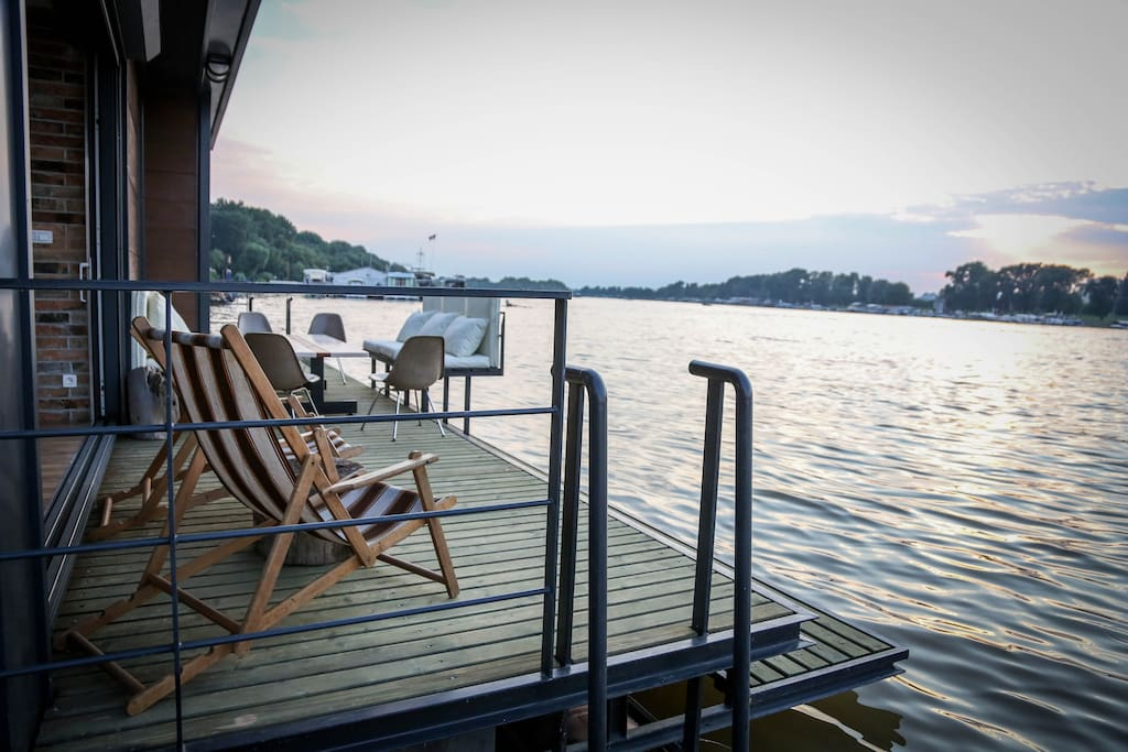 Terrace with 9m swimming platform