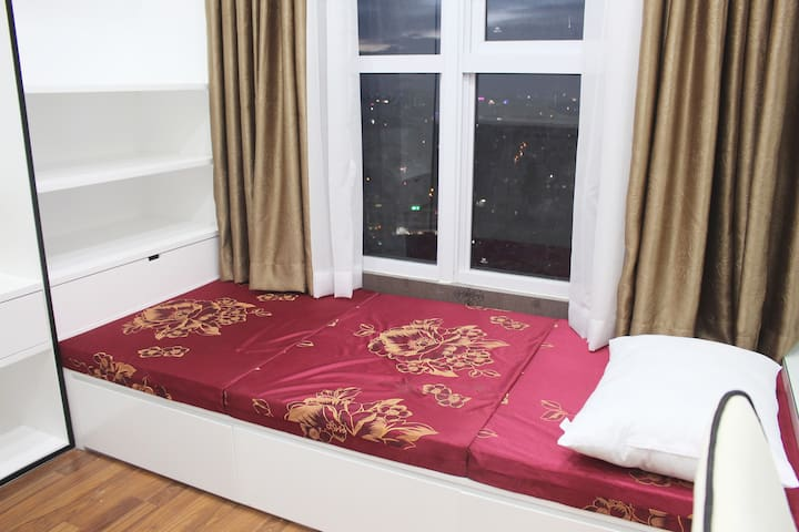 Modern 2BR Deluxe Suit CityView / Near Airport - Ho Chi Minh City - Apartment
