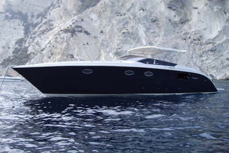 BLUES. Luxury motorboat - sapri