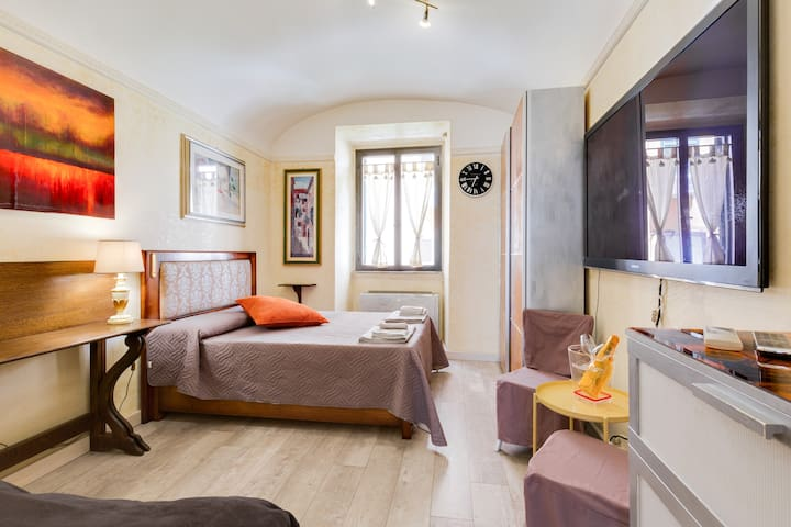 A comfortable San Lorenzo small central apartment