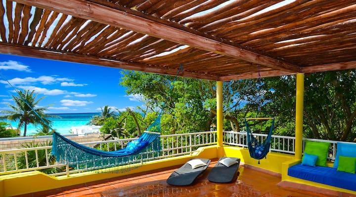 Casa la Loma 4 bedrooms Private Community, Beach.