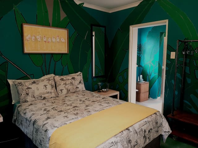 Artist's Guest flat in Stellenbosch suburb