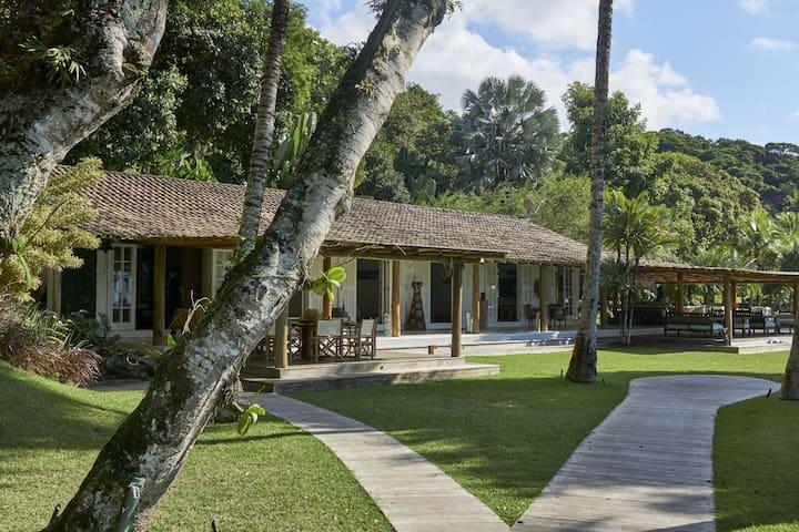 Ang025 - Magnifique propriété de luxe sur le front de mer Ilha Grande