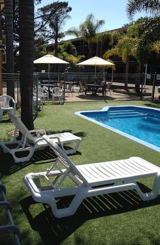 Aquarius on Corrigans 3 Brm Unit 19 - Batehaven - Apartment