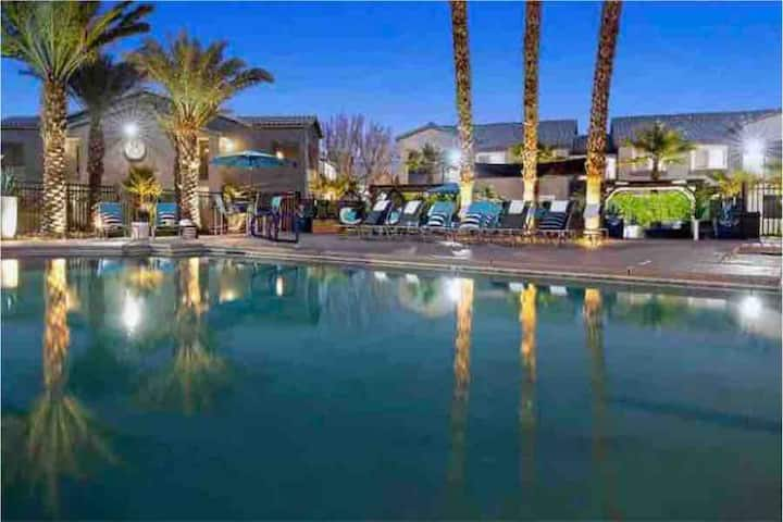 Luxury Apartment Home Minutes From Las Vegas Strip