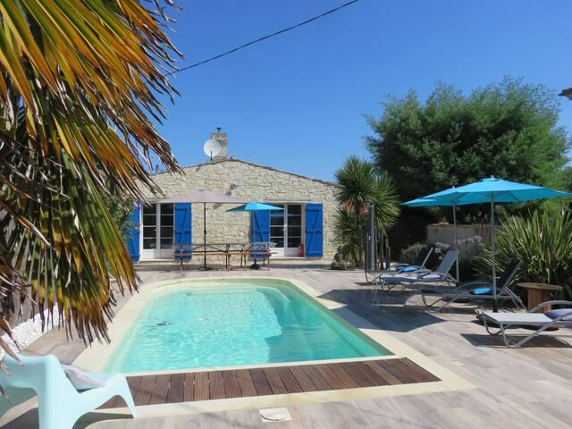 Maison de charme avec piscine privée à Oléron