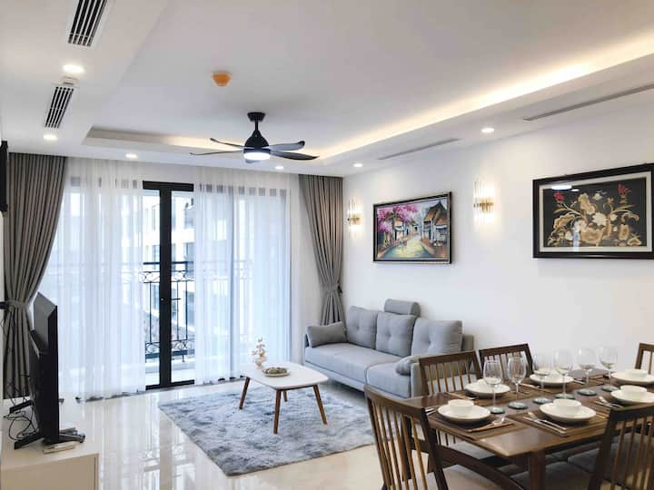 Elegant fully furnished 120sqm Apt @ center Tay Ho